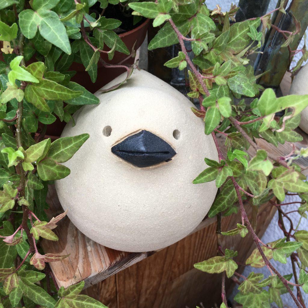 Vogel aus Keramik, frostfest