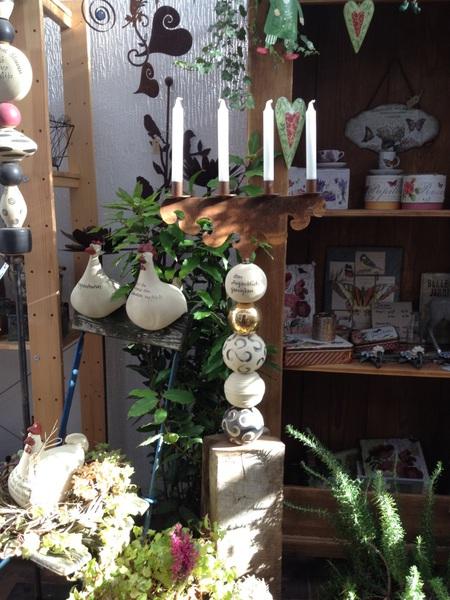 Stele mit Kerzenhalter